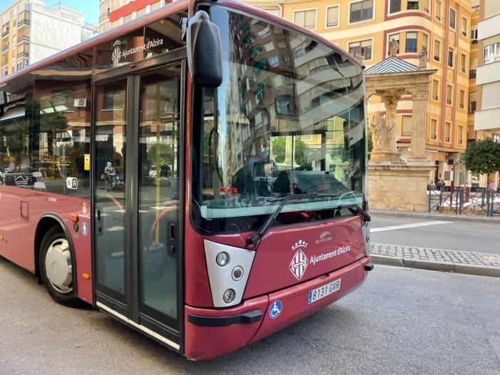 La regidoria de Serveis Urbans d'Alzira posa un servei d'autobús urbà per al novenari a la Mare de Déu del Lluch