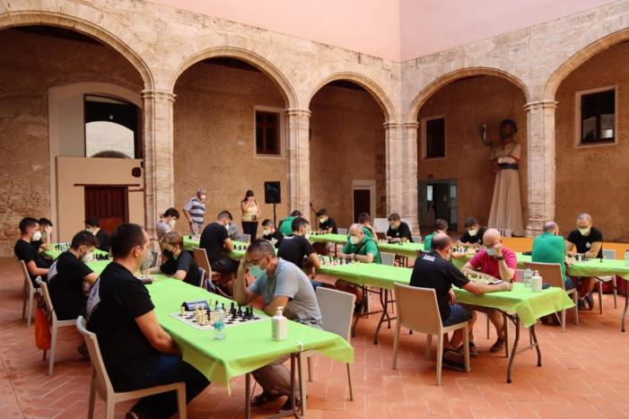 Un total de 26 esportistes es van donar cita el  en la Trobada Triangular d'Escacs entre Alaquàs