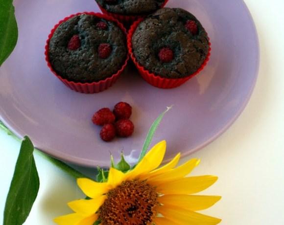 Muffins al cioccolato e lamponi