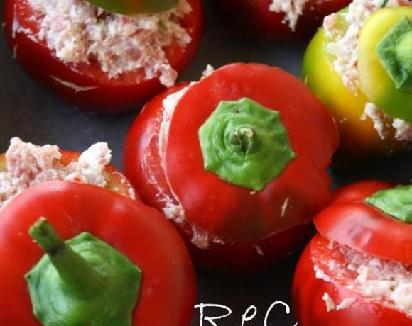 Peperoni ripieni di salsiccia e ricotta