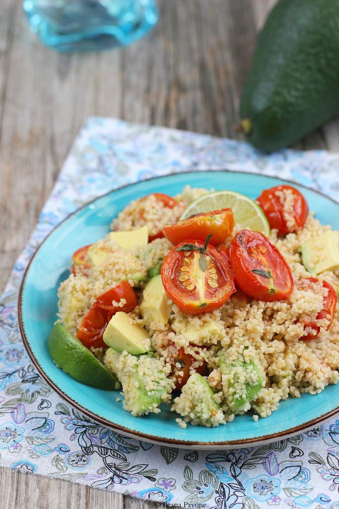 Cous cous integrale con avocado e pomodorini alla vaniglia