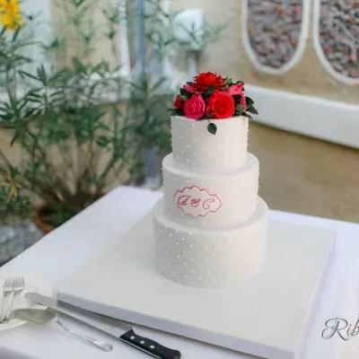 Hochzeitstorte mit Zuckerrosen