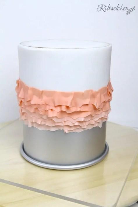 Fondant Rüschen Anleitung - Fondant Ruffles Cake