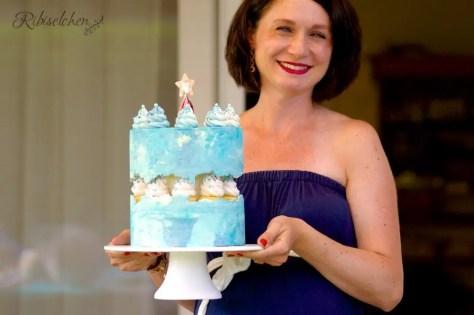 Babyparty Torte blau als Fault Line Torte