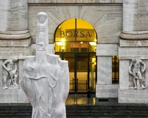 Milano, Piazza Affari - Maurizio Cattelan, L.O.V.E., 2010