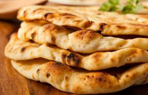 pane indiano Naan fatto in casa