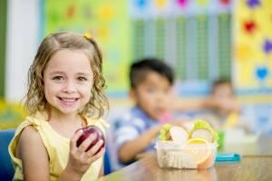 La corretta alimentazione dei bambini, parola ai pediatri