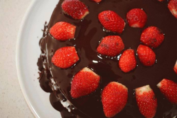 Torta al Cioccolato e confettura di frutta