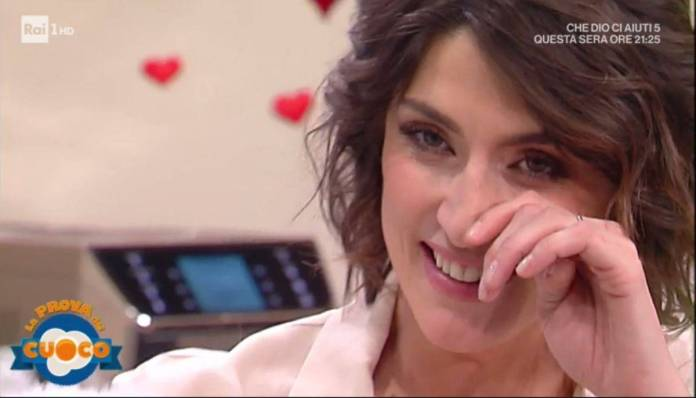 Elisa Isoardi, battuta al vetriolo su un ospite