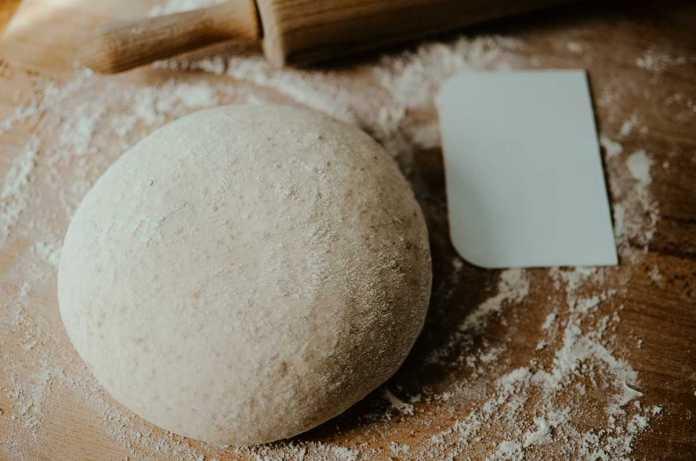 Impasto per pizza senza lievito con bicarbonato