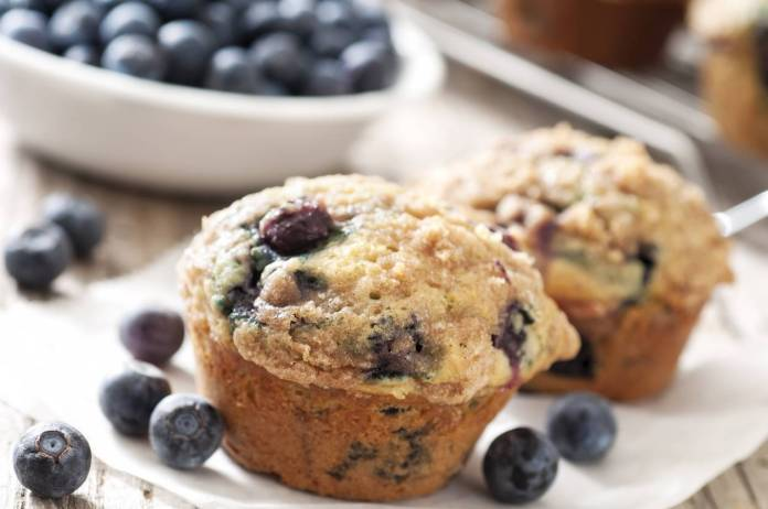 Muffin ai Mirtilli con Farina di Mandorle - Ricettasprint.it