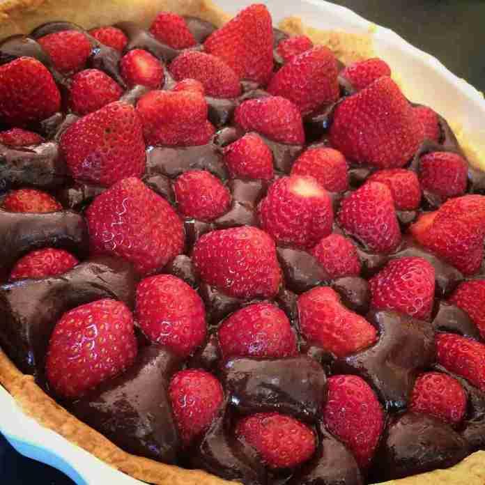 Torta Morbida Fragole e Cioccolato
