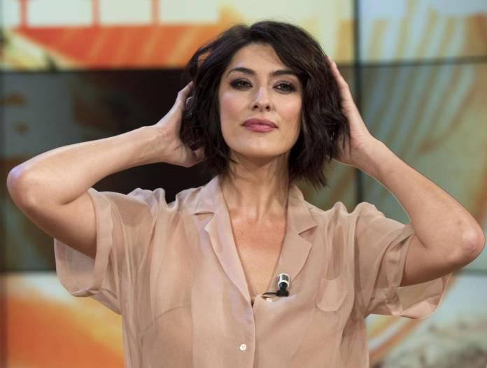 Elisa Isoardi, messaggio negativo sui social