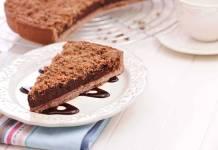 Torta di pasta frolla con cioccolato fondente