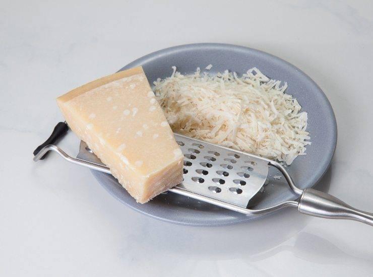 Crumble salato di zucchine e gorgonzola ricetta