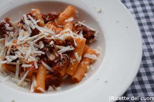 Pasta pomodorini secchi ricotta