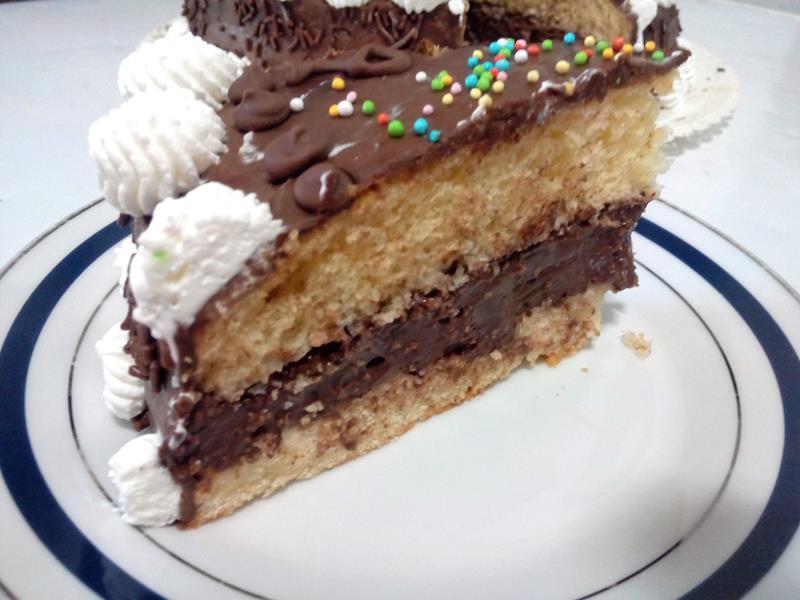 Torta con crema di cioccolato e ricotta