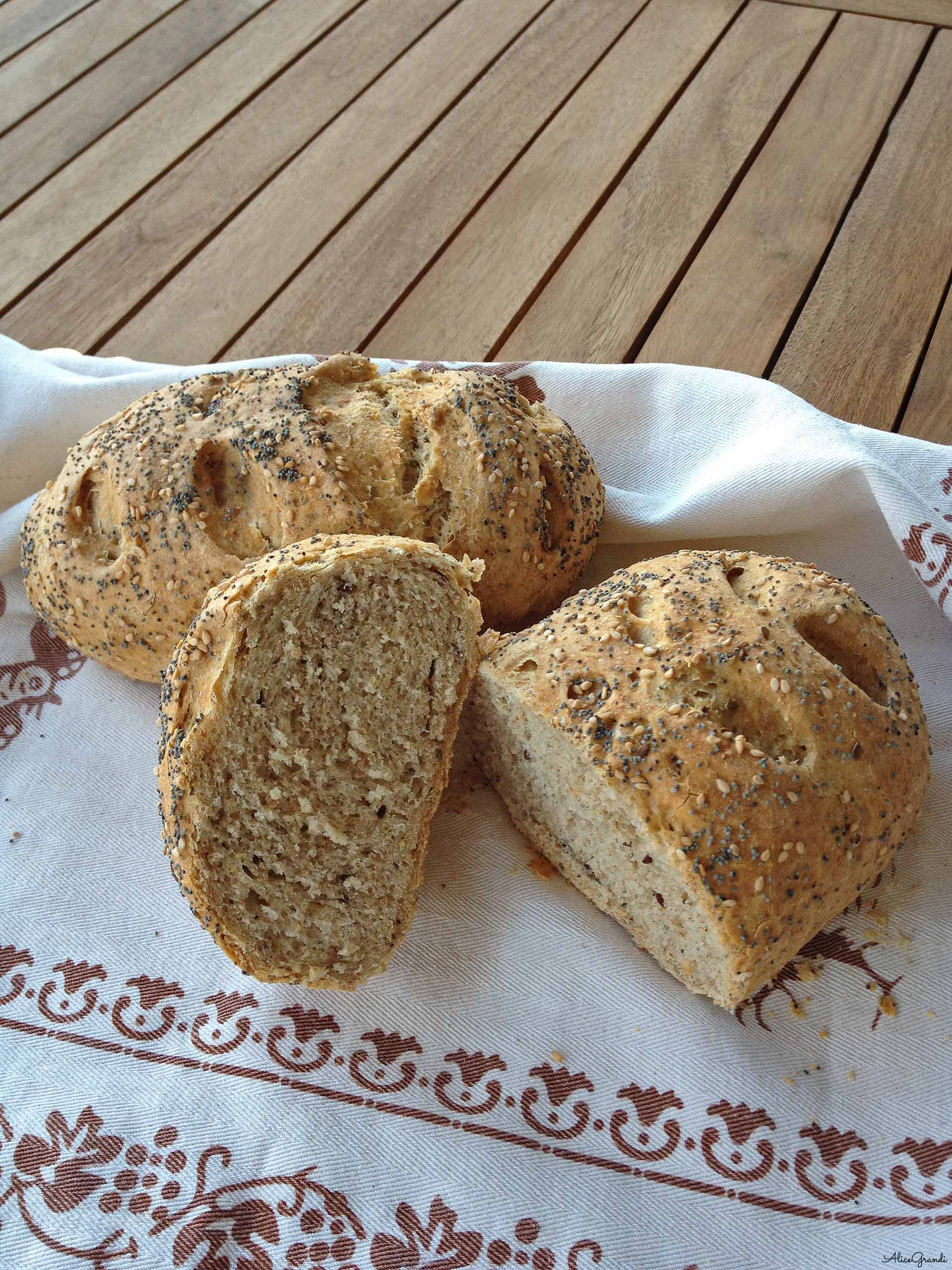 pane-integrale-allo-yogurt-bread