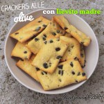 Crackers di kamut alle olive, con lievito madre | Sourdough olive crackers