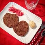Burger alla rapa rossa con maionese piccante di avocado | Beet burger with spicy avocado mayo (vegan)