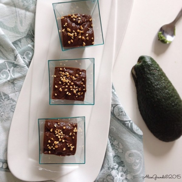 mousse cioccolato light vegan avocado mousse