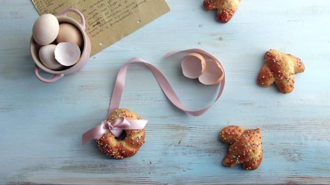 Biscotti-Pasqua-cudduraci-italian-easter-cookies