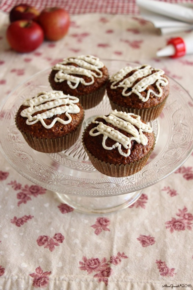 Cupcakes-mela-frosting-ricotta