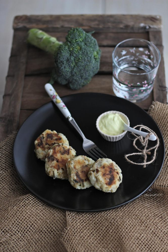 polpette-vegan-patate-broccoli-potato-fritters