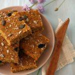 Quadrotti di torta al cocco e curcuma | Easy vegan coconut cake