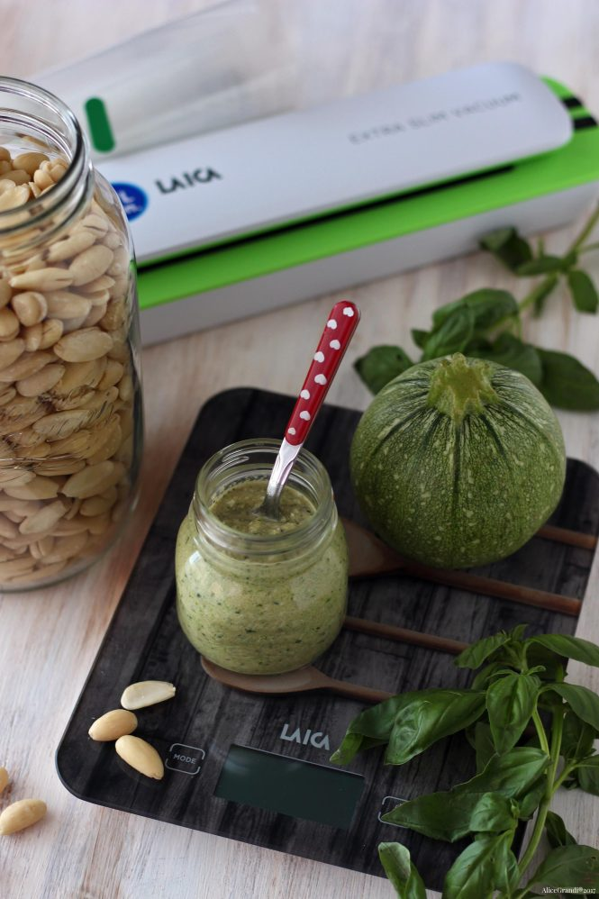 Pesto-zucchine-mandorle-almond-o1