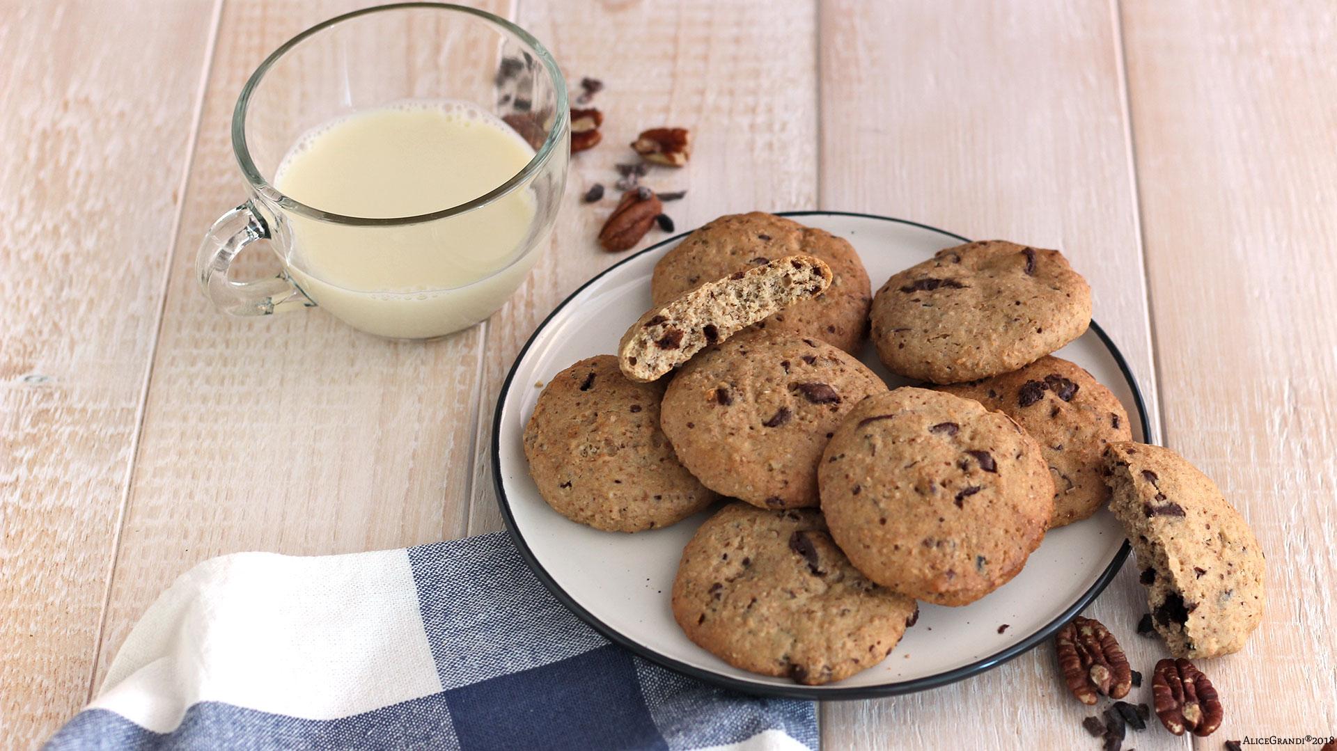 Spuntini Sani E Proteici : Biscotti proteici al cioccolato e noci healthy chocolate chip