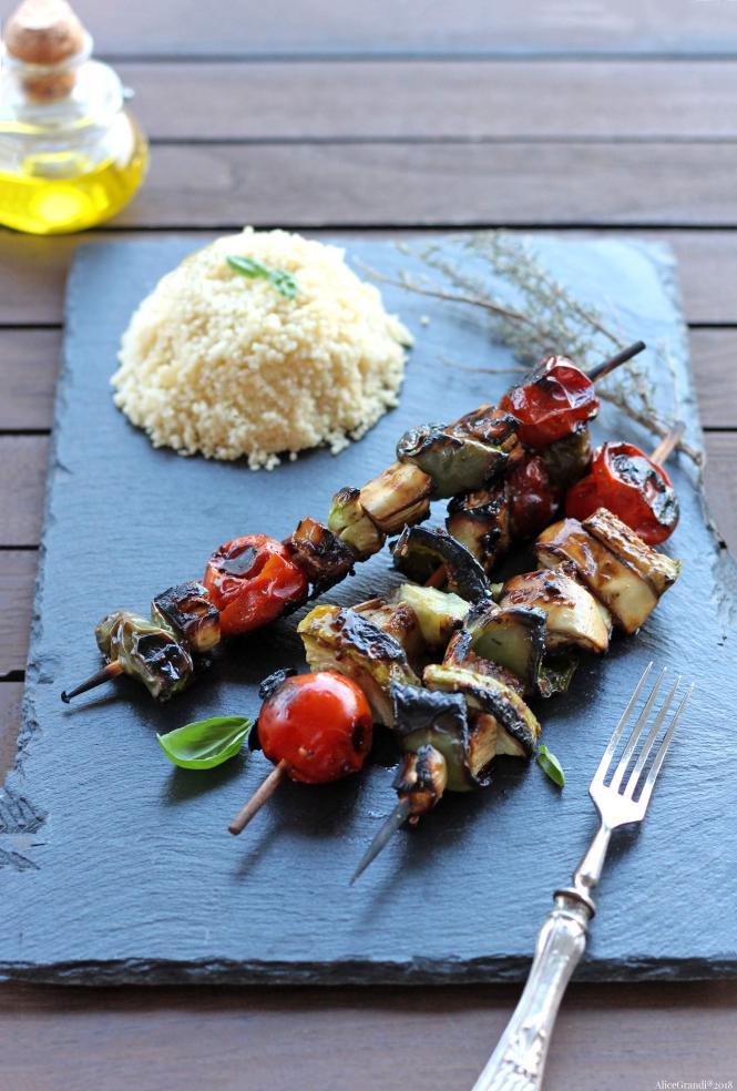 spiedini-di-verdure-alla-griglia-barbecue-vegetable-skewers