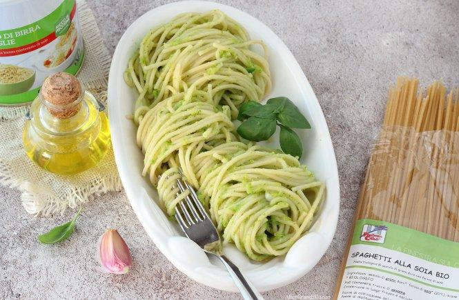 pasta-con-crema-di-zucchine-vegan