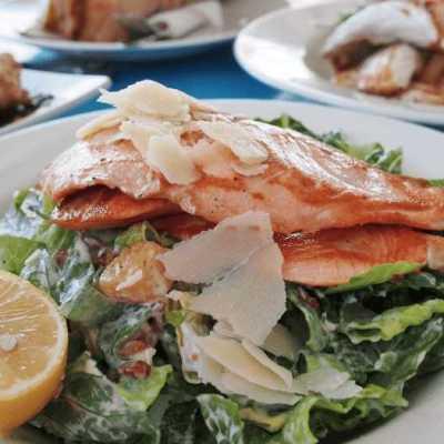 salmone insalata yogourt