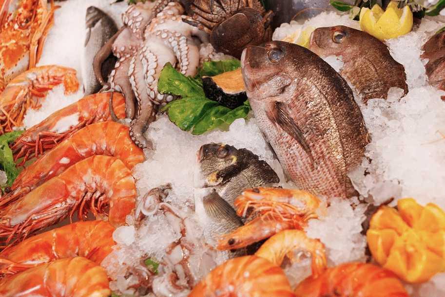 Antipasti di pesce semplici e veloci