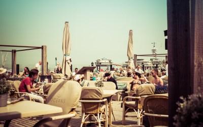 De pier in Scheveningen is open: weer foto's maken van de boulevard