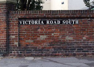 Victoria-Road-South