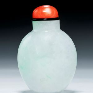 ANTIQUE CHINESE GREEN & WHITE JADEITE SNUFF BOTTLE