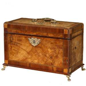 ANTIQUE GEORGE II WALNUT TEA CADDY