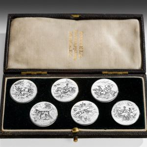 ANTIQUE SET OF SIX SILVER HUNTING BUTTONS