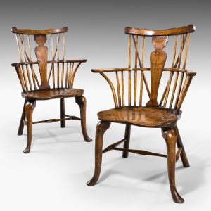 ANTIQUE PAIR OF COMB BACK WINDSOR ARMCHAIRS