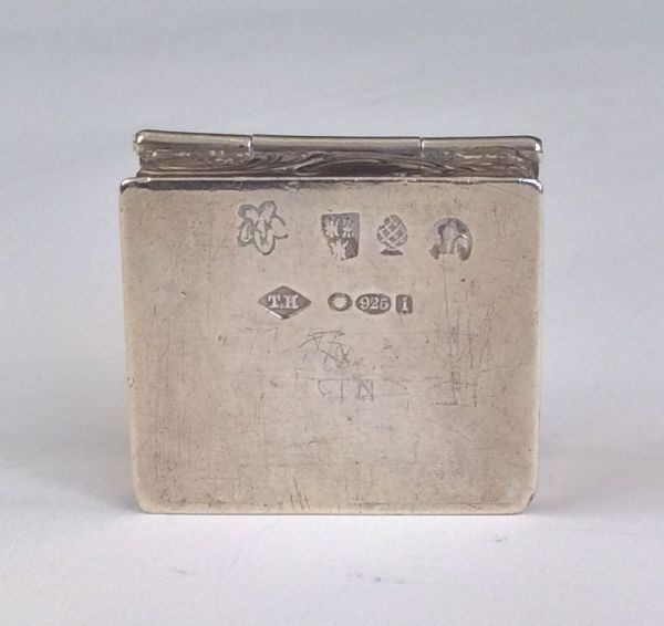 antique-silver-pill-box-5677_1