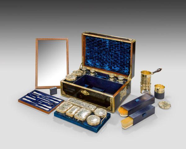travelling-dressing-case-Aucoc-Paris-antique-superb-711_10Mar14_5831