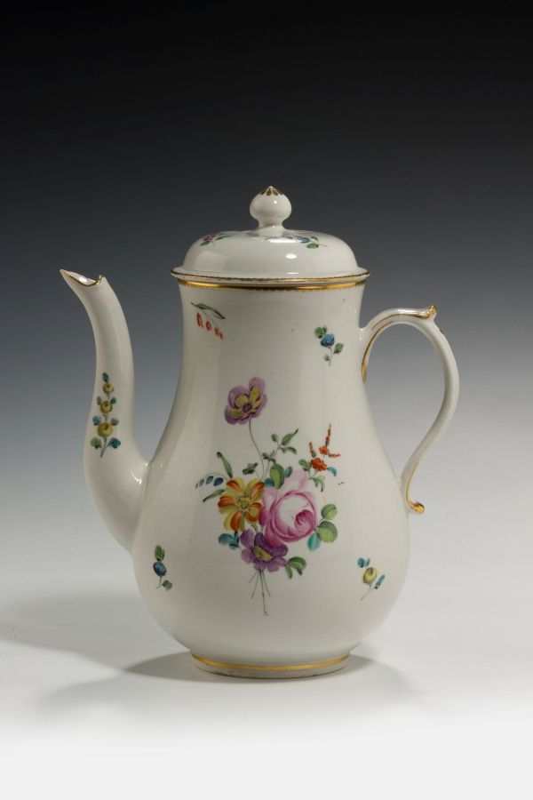 ANTIQUE CHELSEA DERBY PORCELAIN COFFEE POT AND COVER