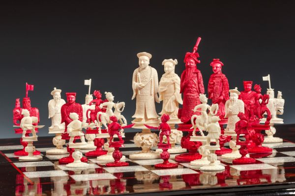 ANTIQUE CHINESE IVORY FIGURAL CHESS SET