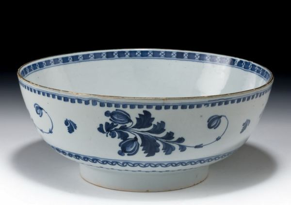 ANTIQUE DELFTWARE BOWL PROBABLY LONDON