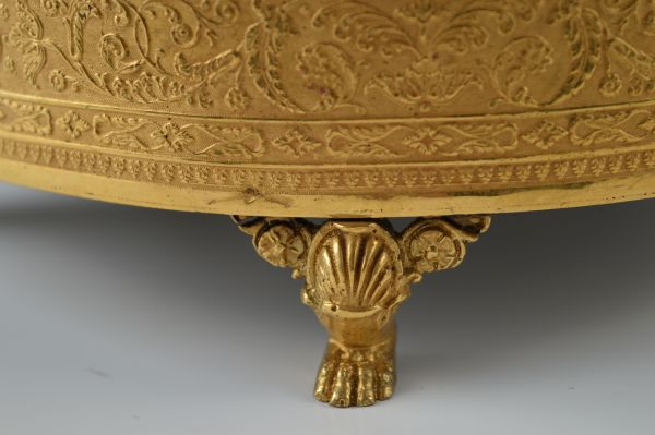 Palais-Royal-sewing-box-musical-necessaire-antique-gilt-metal-Bordier-mother-of-pearl-shell (4)