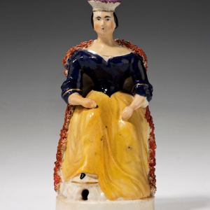 ANTIQUE STAFFORDSHIRE FIGURE OF QUEEN VICTORIA