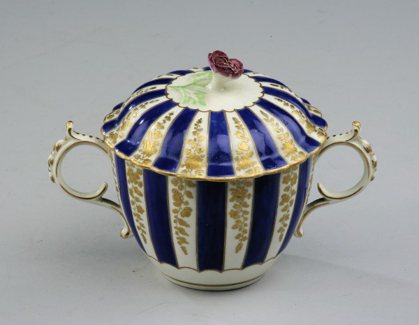 Worcester-bouillon-cup-cover-John-Giles-antique-_93P0182