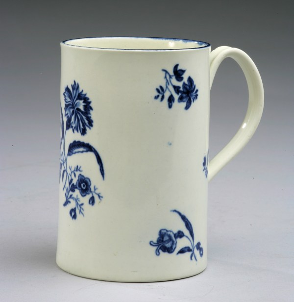 ANTIQUE WORCESTER PORCELAIN MUG GILLIFLOWER PATTERN